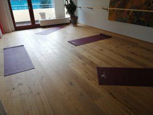 Pilatesraum, Holzboden, Matten, Cardio, Flow